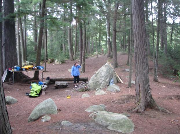 http://www.mrfs.net/trips/2008/Ontario/Algonquin/mt_campsite.jpg